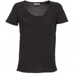 T-shirt femmes Calvin Klein...